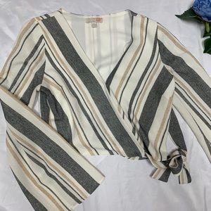 Gianni Bini bell sleeve wrap top